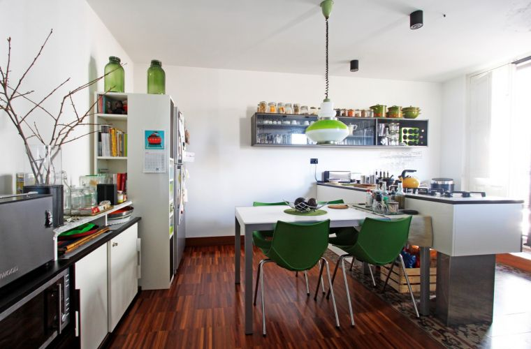 Perfectly balanced green colour in the kitchen