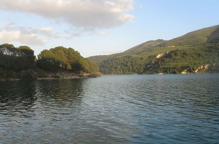 Dirillo lake (from Wikipedia)