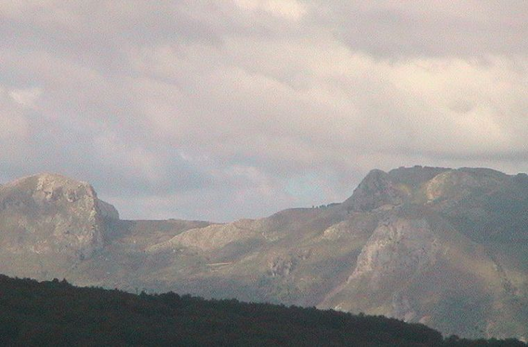 Rocche del Crasto (from Wikipedia)