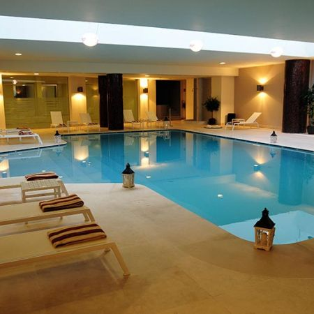 The wellness area: pool, jacuzzi, sauna, hammam, running machine