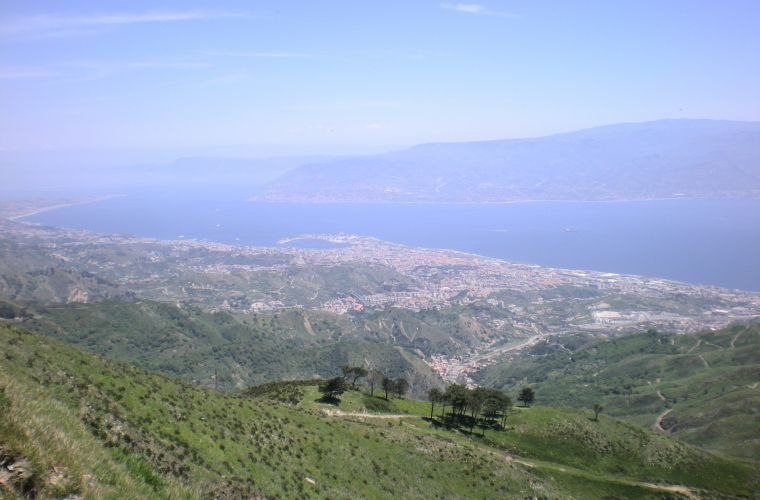Strait of Messina, mainland, Ionian sea, Tyrrenian sea