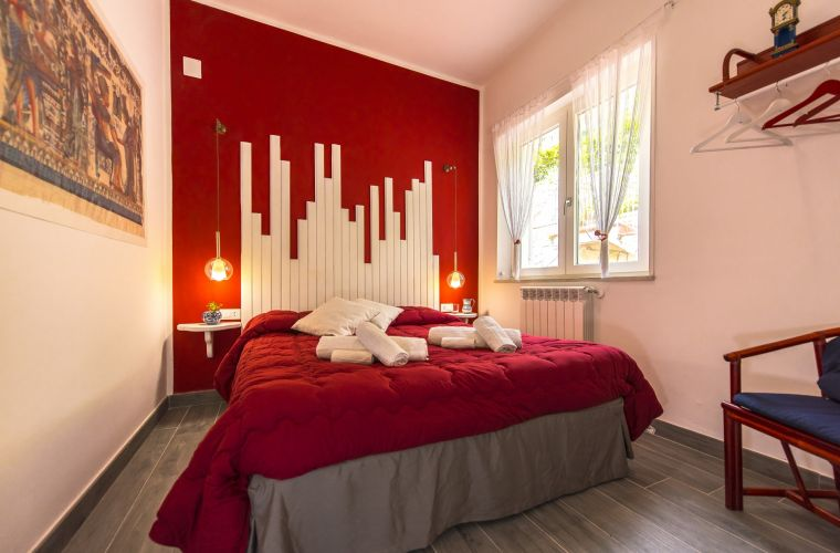 Another colourful bedroom