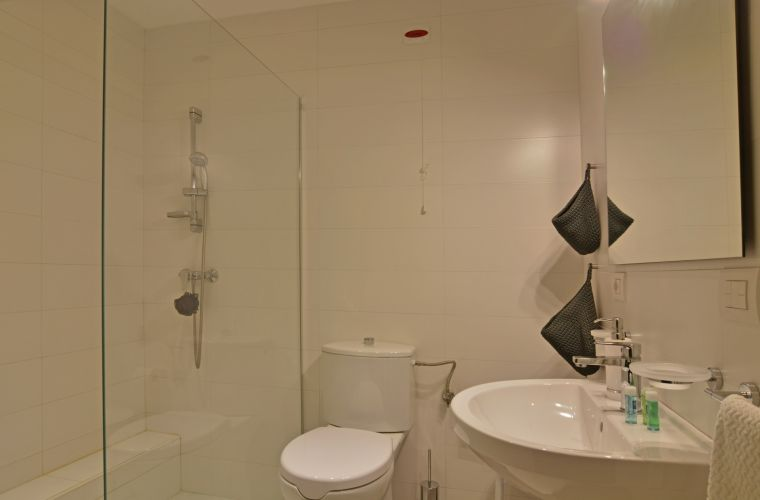 There is also en suite bathroom adaptied for diverse abilities with shower on the ground floor