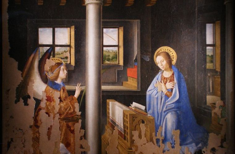 In the rich art gallery, the Annunciation by Antonello da Messina of 1474 is preserved, one of the great masterpieces of art and which was commissioned for a church in Palazzolo Acreide.