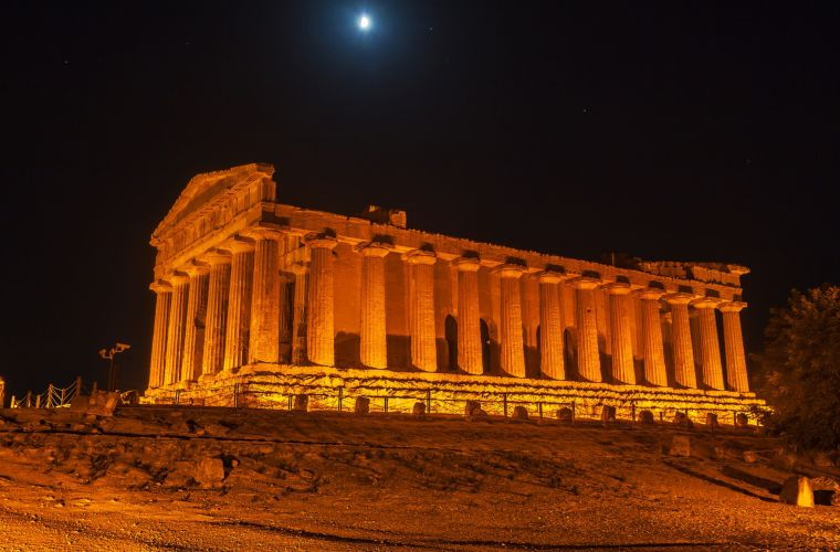 Agrigento, Valley of the Temples, 100 kms