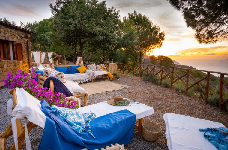 Peace, privacy and the nature with stunning view over the Tyrrhenian sea and the Aeolian islands!