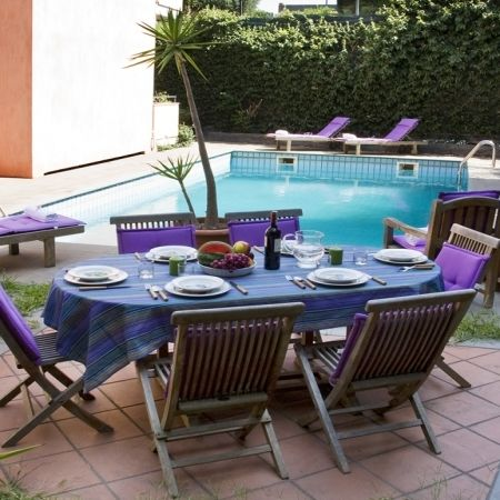This villa is in the downtown of Viagrande and the closest market is 500 meters away