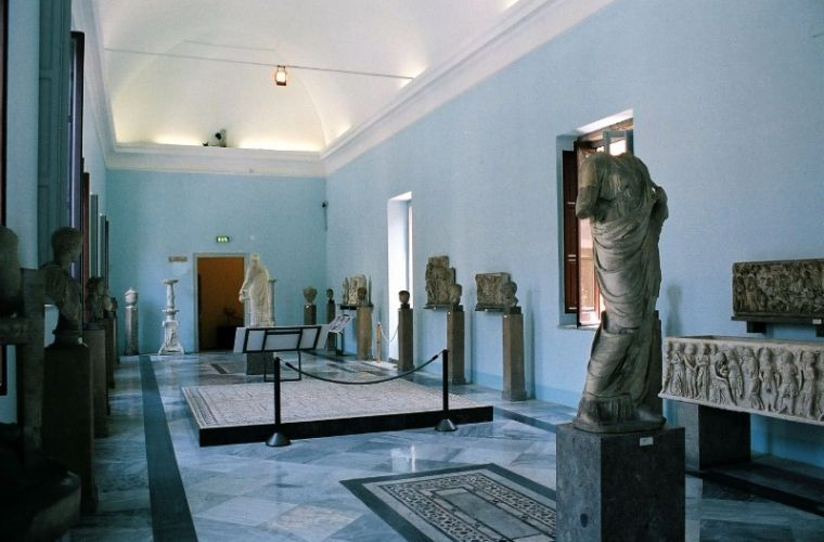 Palermo-Museo-Archeologico-bjs-09