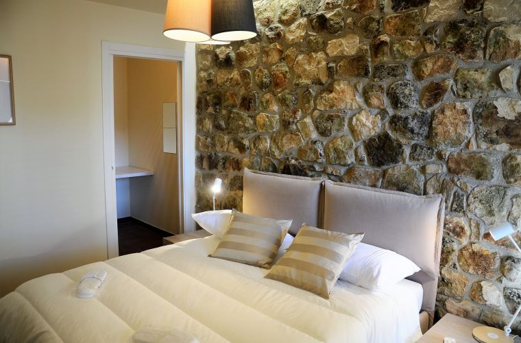 Stone wall in the suite