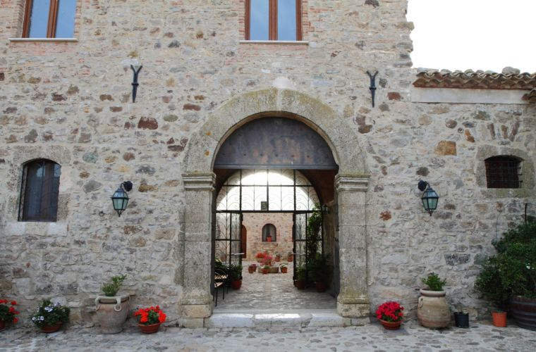 Built in 1859: a historical Sicilian farm