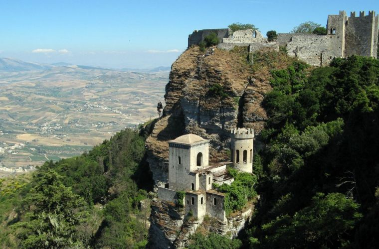 Erice, the town of love, 5 km's