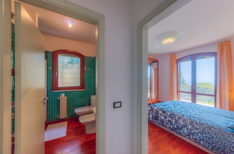 Suite with sea view on the ground floor