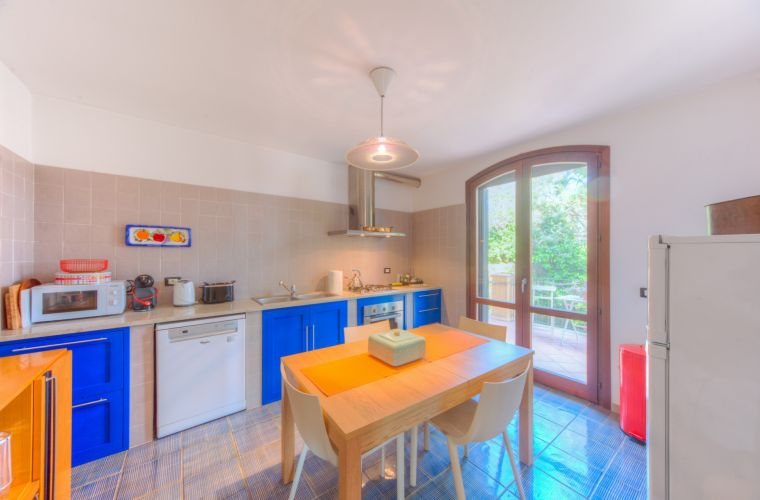 The house is located in the downtown of Sant'Agata Li Battiati were you can find everything you need