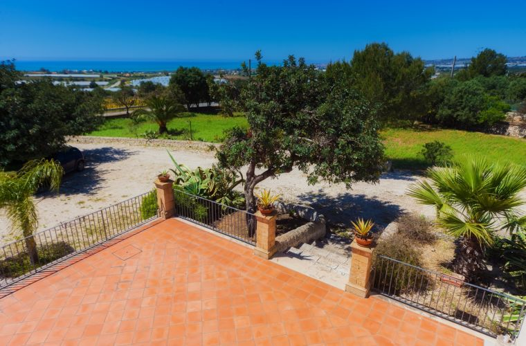 7000 square meters of succulents, Mediterranean plants, lawn and sea view