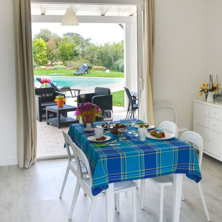 Kitchen, patio, pool, ocean