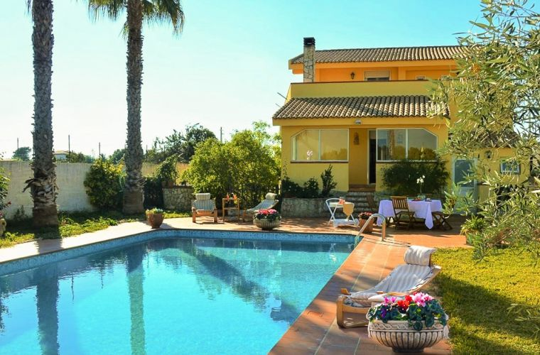 Sicilian sun, pool, facade, glSicilian sun, glass window patio, flowers, meal, palm tree