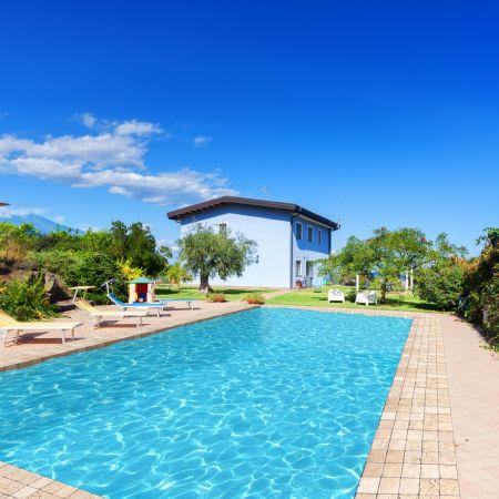 Pool: 6x12 meters