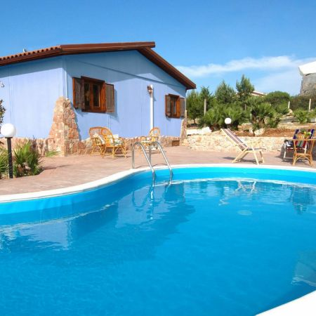 In the garden there is the swimming pool and the solarium where guests can enjoy moments of pure relax.