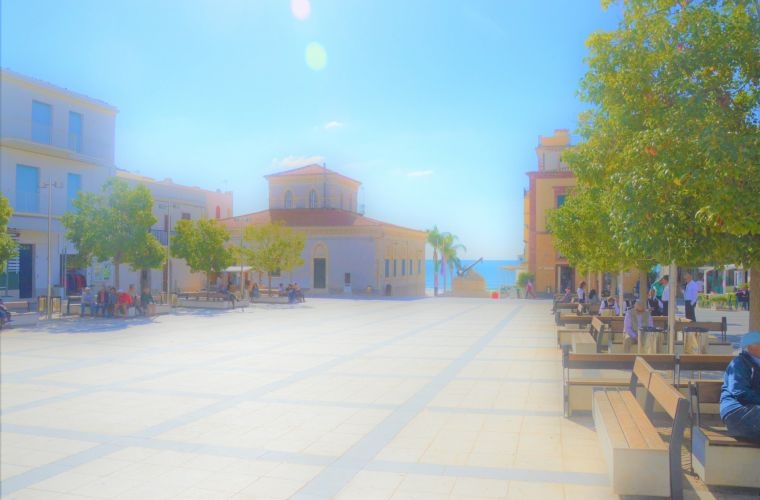 Marina di Ragusa square, 350 meters away