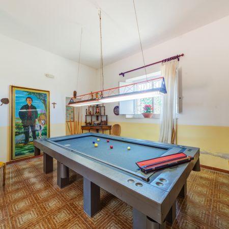 Billiard room with a very prestigious table