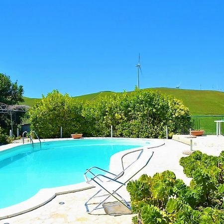 This villa is located in the inland of Trapani, surrounded by grain fields