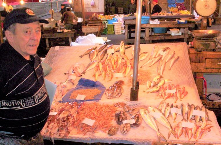 In Catania (40km's) there also is a renowned fish market (photo) that is located in Piazza Duomo.