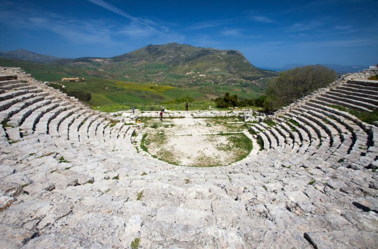 Segesta (40 km's): temple, castle, mosque.