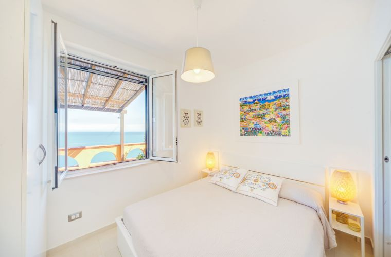 Double with en-suite and ocean view