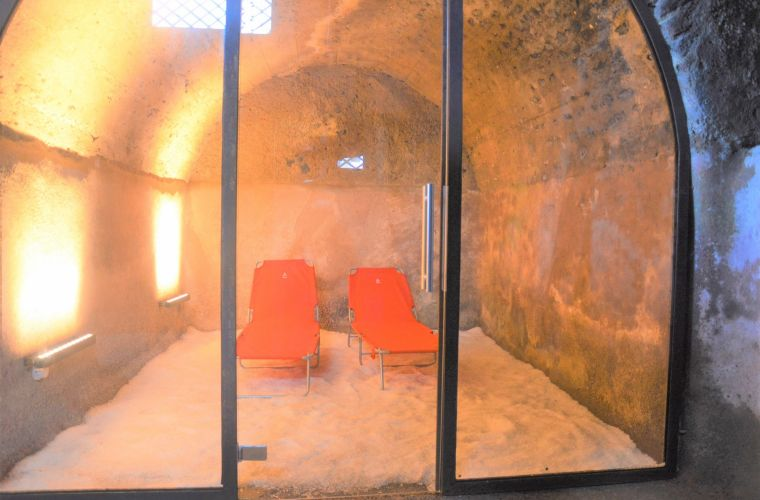 Wellness cave, salt therapy