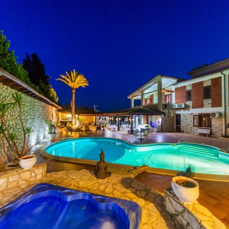 Night in Sicily, in this stunning location: jacuzzi, pool outdoor facilities