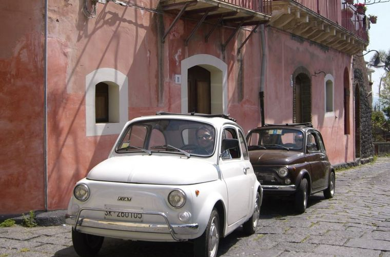 You will drive one of our classic Fiat 500 following our tour leader car driven by our staff.