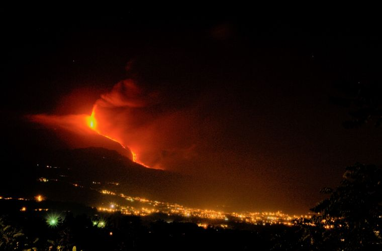 Will Etna destroyed this town? Ah ah ah ...
