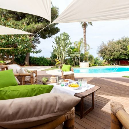 This luxury villa is located in western Sicily, just less than 2 km's from the beach.