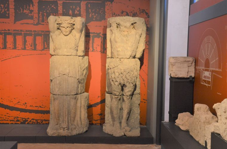 The statues, calcareous, are over two meters high and should be from the 5th century BC.