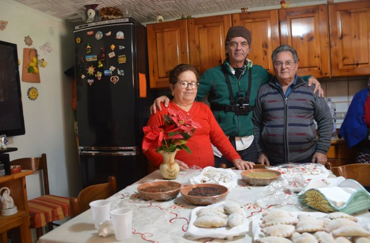 This family cooked the renowned Cassatelle sweets for our group