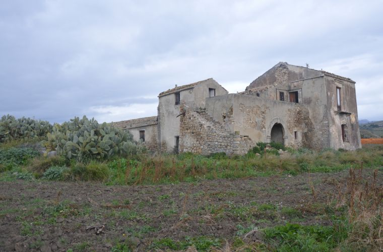 This is the Locanda Cuba, in the hinterland: it was a inn where also Goethe rested during his Sicilian journey