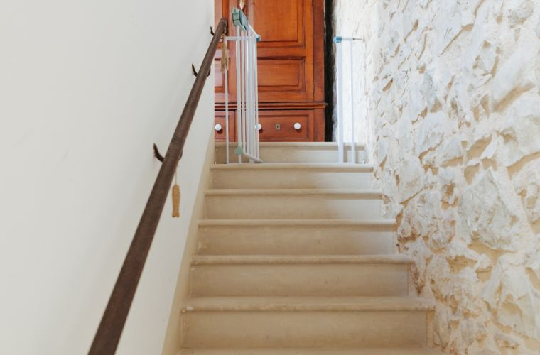 The stairs decorated with stones, the apartment is waiting for you!
