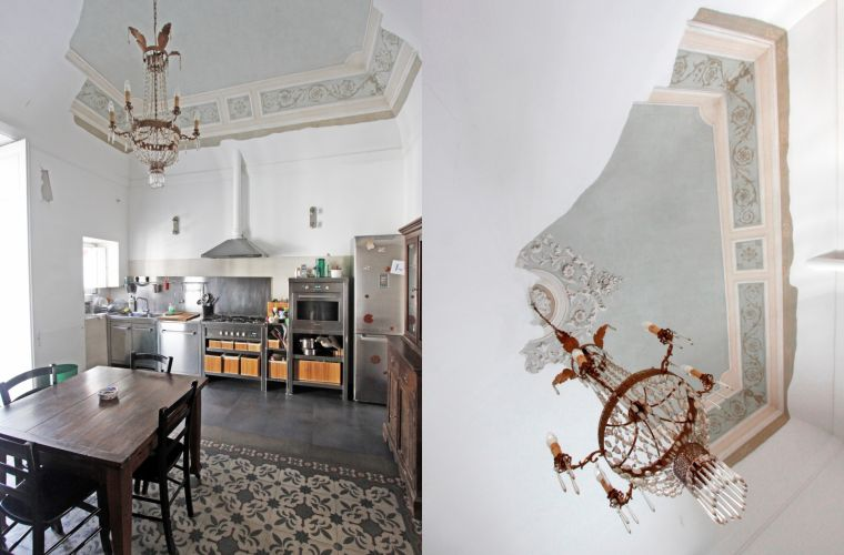 Antique elements: the floor, decorated ceilings, chandelier